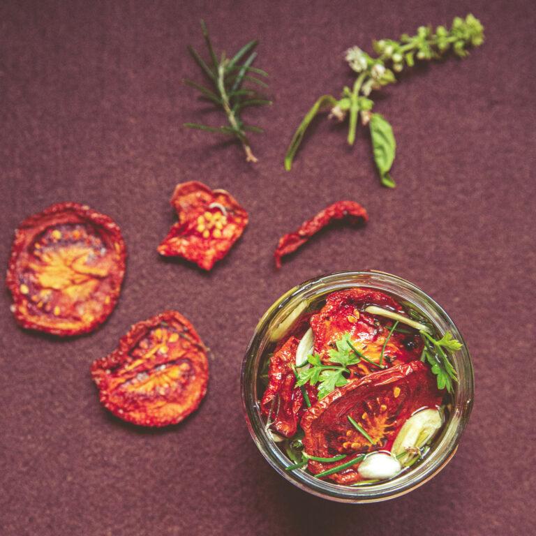 Sonnengetrocknete, eingelegte Tomaten