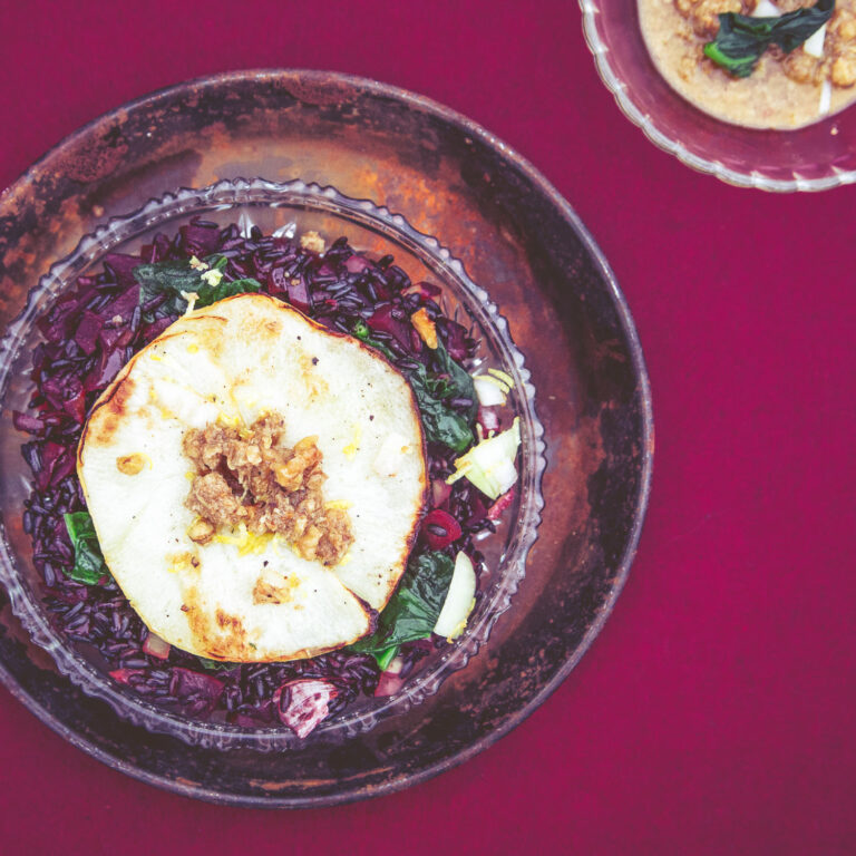 Rote-Bete-Risotto mit gebackenem Kohlrabi